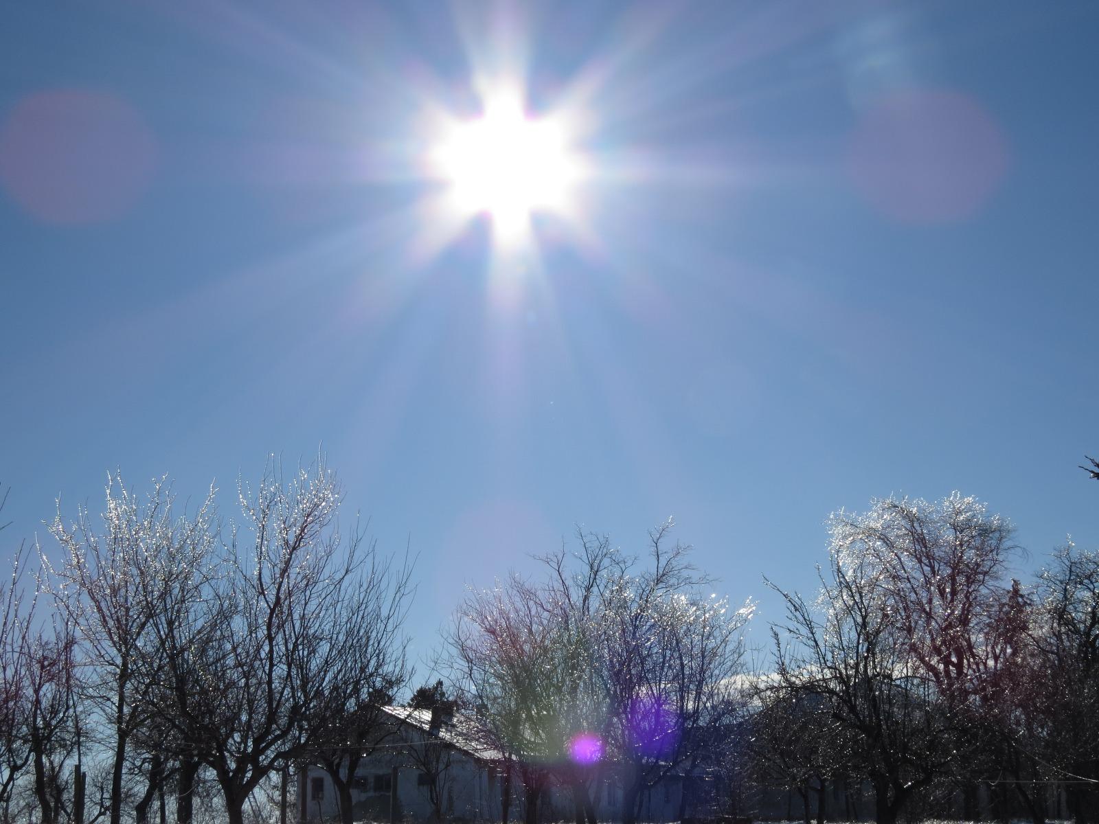 Soare stralucind stralucitor
